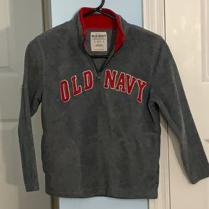 OLD NAVY RED AND GREY QUARTER ZIP HOODLESS SWEATER